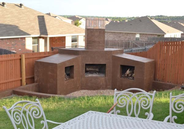outdoor fireplace burleson rental home